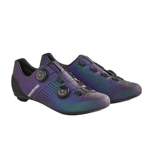 Cyklistické tretry Van Rysel modré reflexné v akcii za 119,99€